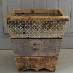 Beautiful Pallet Wood waste basket (1)