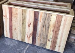 Reclaimed Pallet Wood Planter Box