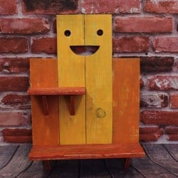 pallet furniture ideas - Smiley shelf