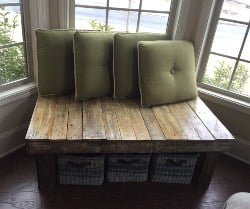 pallet furniture ideas - Wide Rustic Pallet Bench