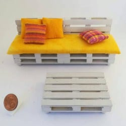 sofa Recycle pallets with pillows (1)