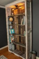 15. Pallet Wood Bookshelf (1)