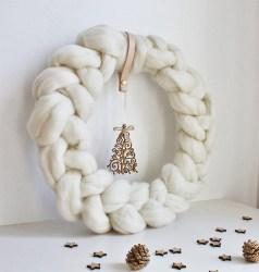 Scandinavian Christmas Wreath (1)