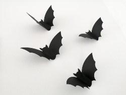 Flying Bats Wall Decor (1)