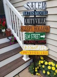 Halloween Directional Sign (1)