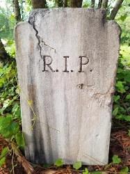 RIP Handmade Halloween Tombstone Prop (1)