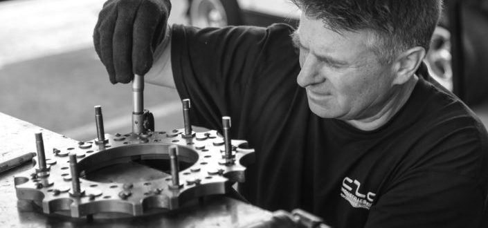 Mechanical Tool sets.jpgdriver inspecting tolerance on a crucial drive component at the Pomona NHRA National.