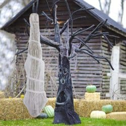 Cheap Outdoor Halloween decorations - Cocoon Corpse