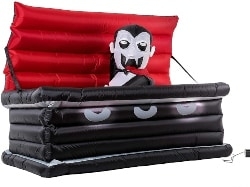 Coffin With Rising Dracula (1)