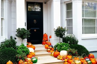 Outdoor Halloween Decorations - featured