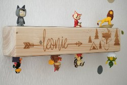 Personalized Wooden Beam Shelf Wallboard (1)